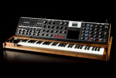 minimoog_voyager xl_frontangle.jpg
